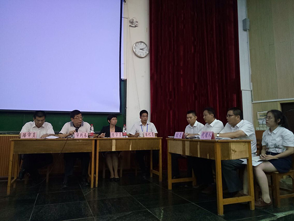 蒋爱兵律师担任全区申请律师执业人员集中培训班模拟法庭评委